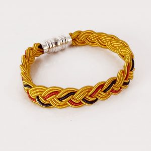 Bracelet tressé plat, par Angélique Zrak tisserande passementière
